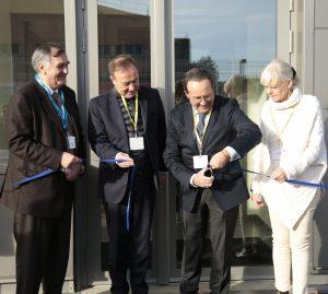 Ce matin aux Clayes-sous-Bois, nous avons inauguré avec le Conseil départemental des Yvelines...