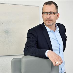 Dr. Axel Klaphake