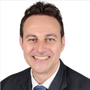 Dr. Bernd Schramm